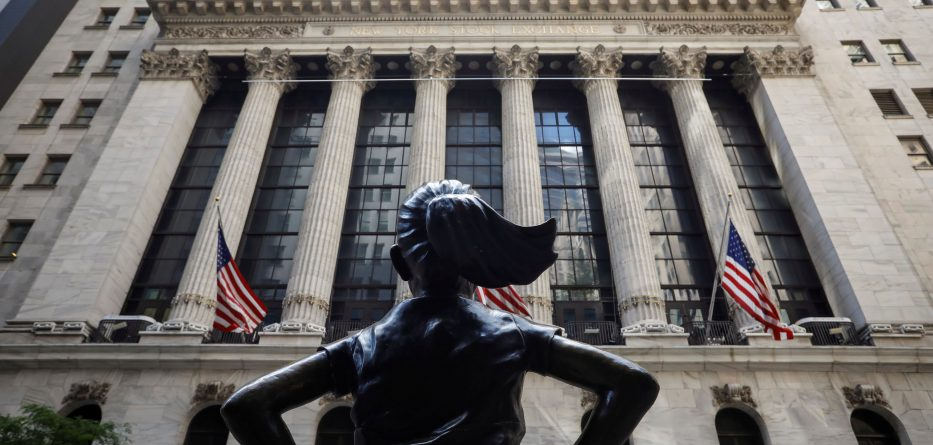 Stock market dwell on the present time: Contemporary quarter, Dow futures fall 200 components, reopening performs down premarket